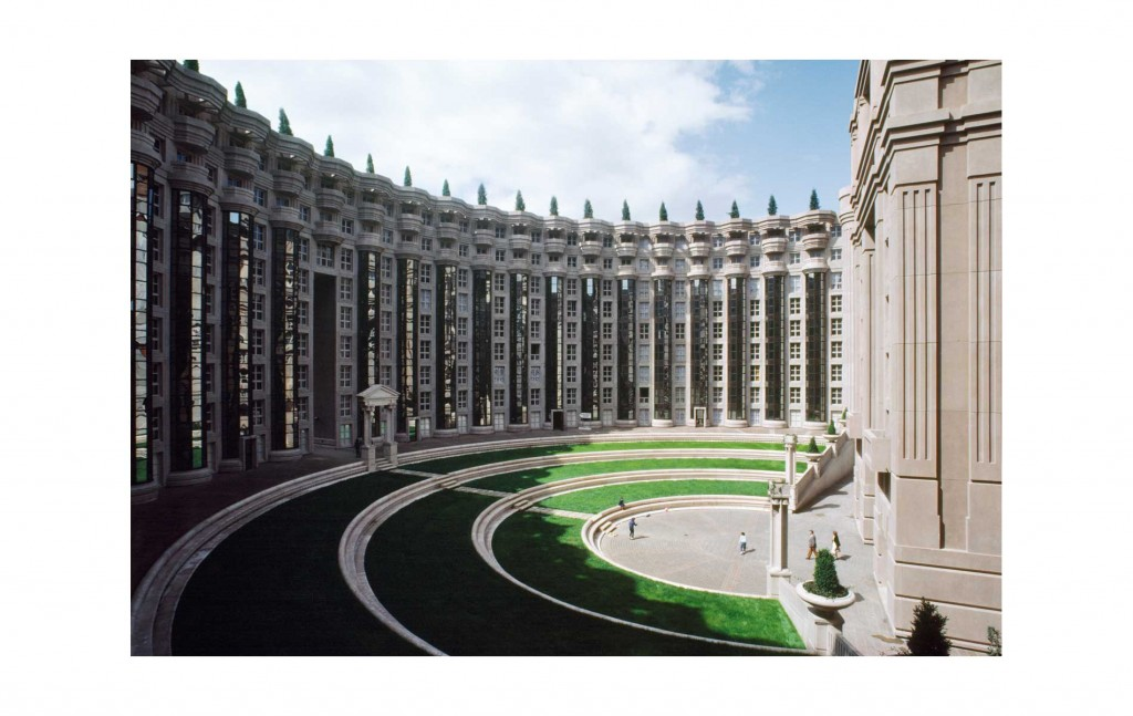 Les_Espaces_Abraxas_Marne_la_Valle_Paris_France_Ricardo_Bofill_Taller_Arquitectura_01